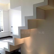 2018138平米现代别墅卧室欣赏图片