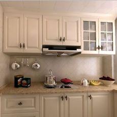 热门面积90平现代三居厨房装饰图