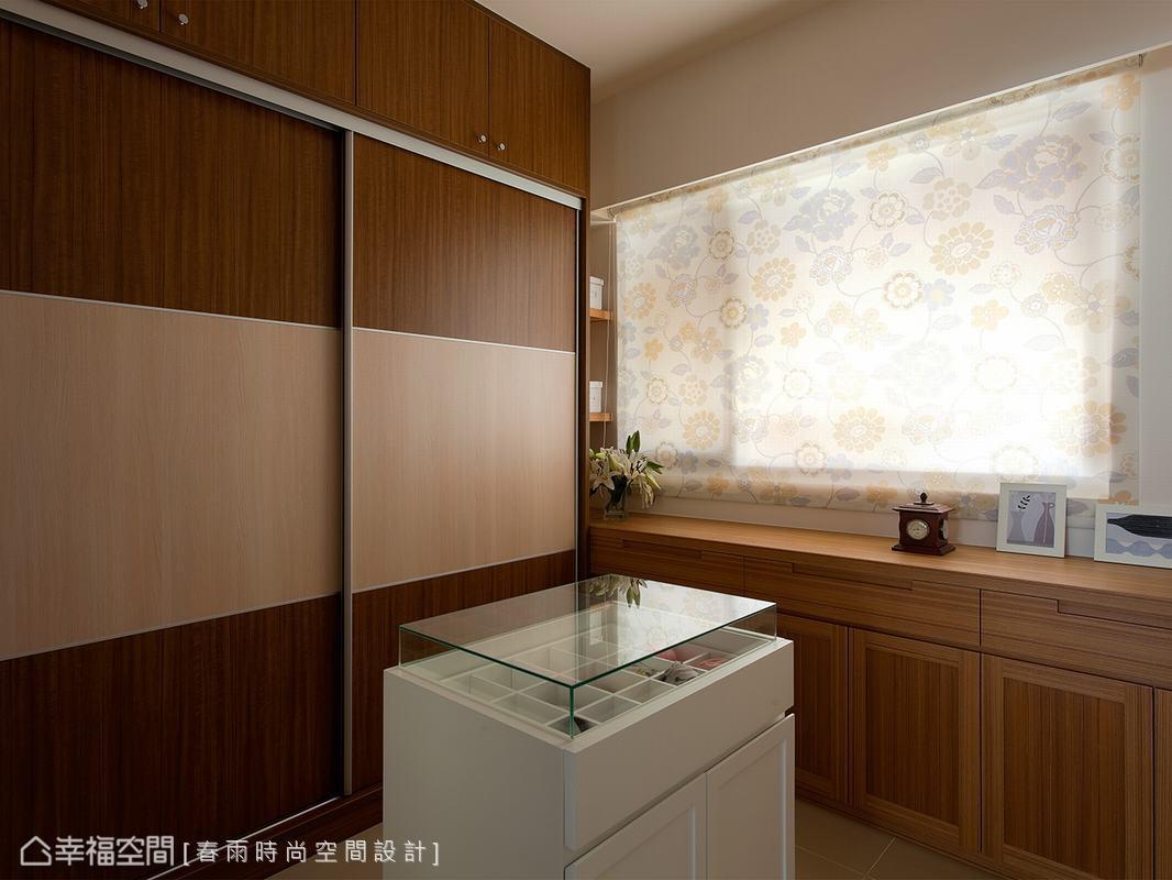 更衣室_1494024_1808243