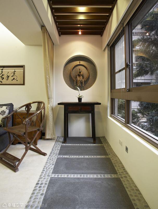 古朴新中式阳台装饰设计