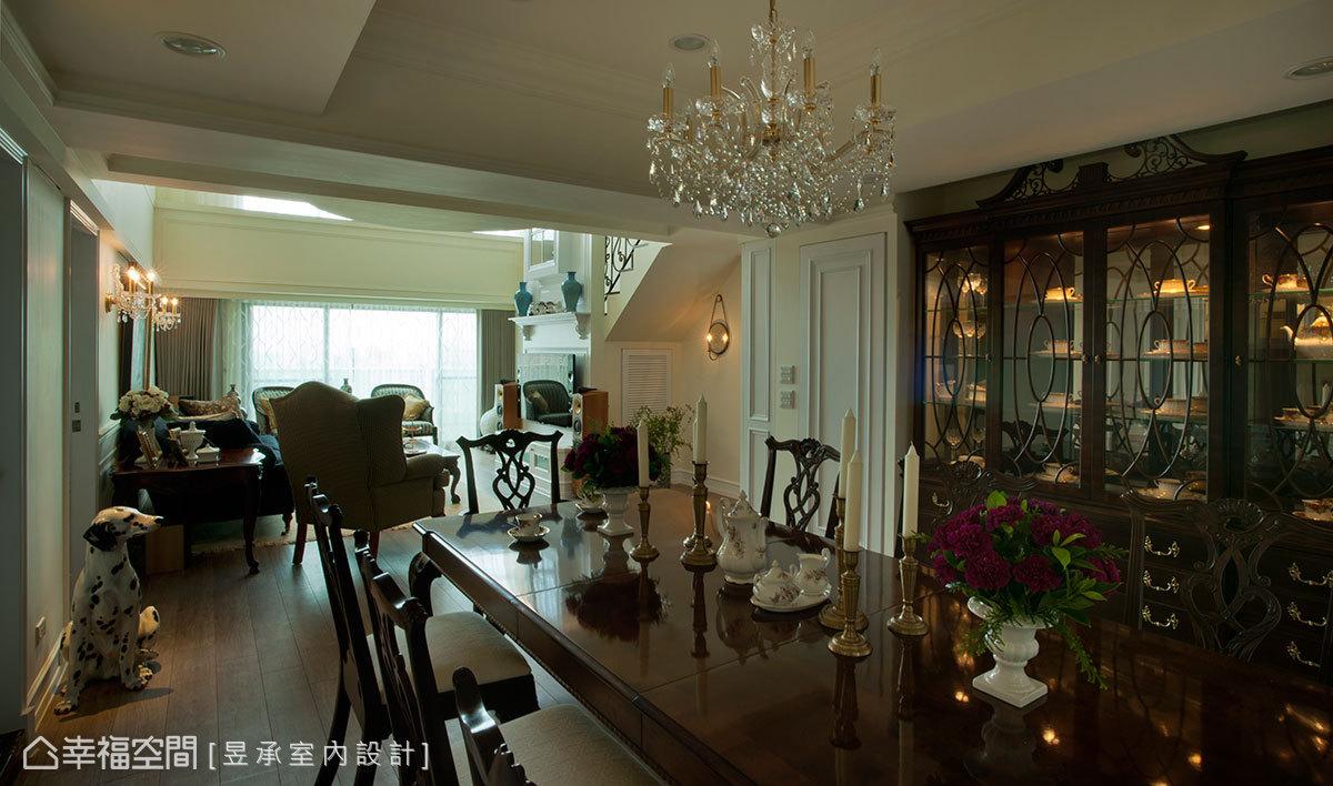 美式复式楼客厅电视柜装修效果图