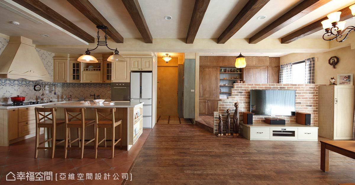 精美面积93平田园三居客厅装修实景图