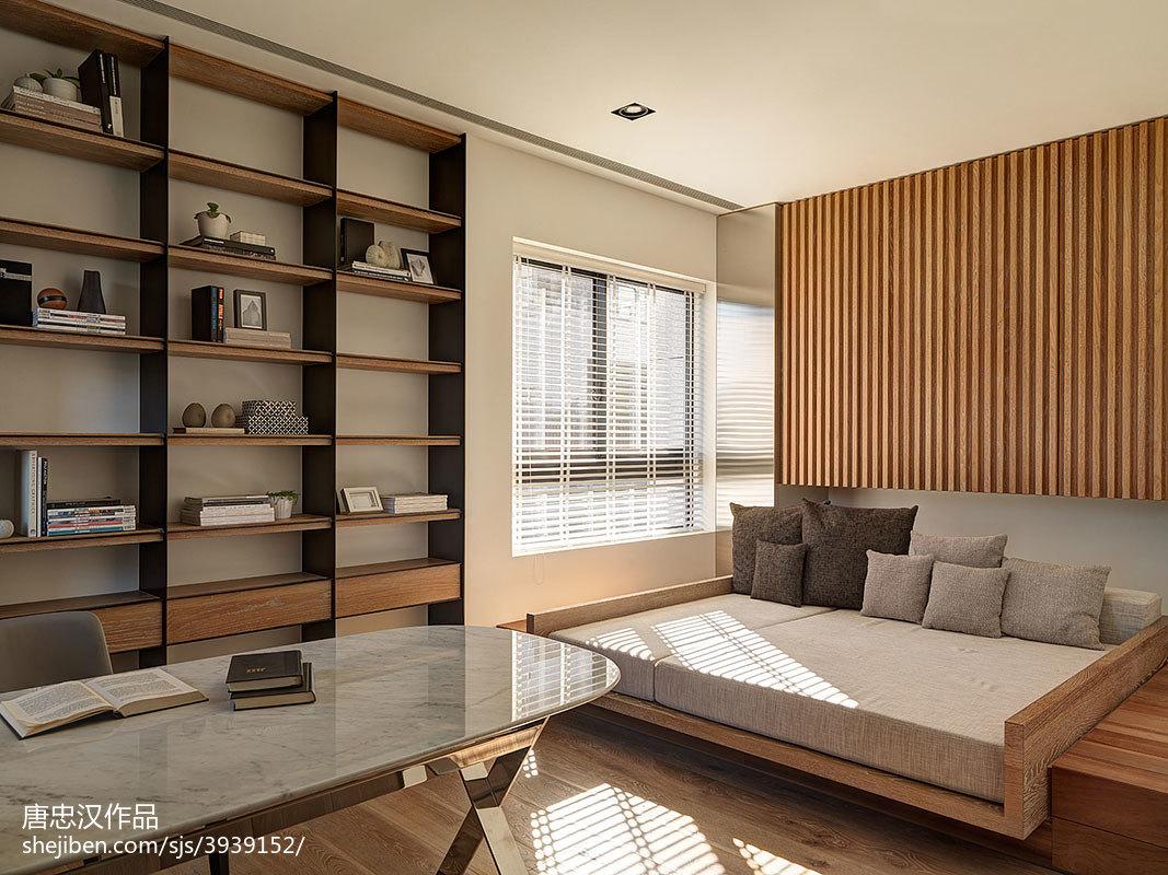 四居室现代卧室博古架装修设计