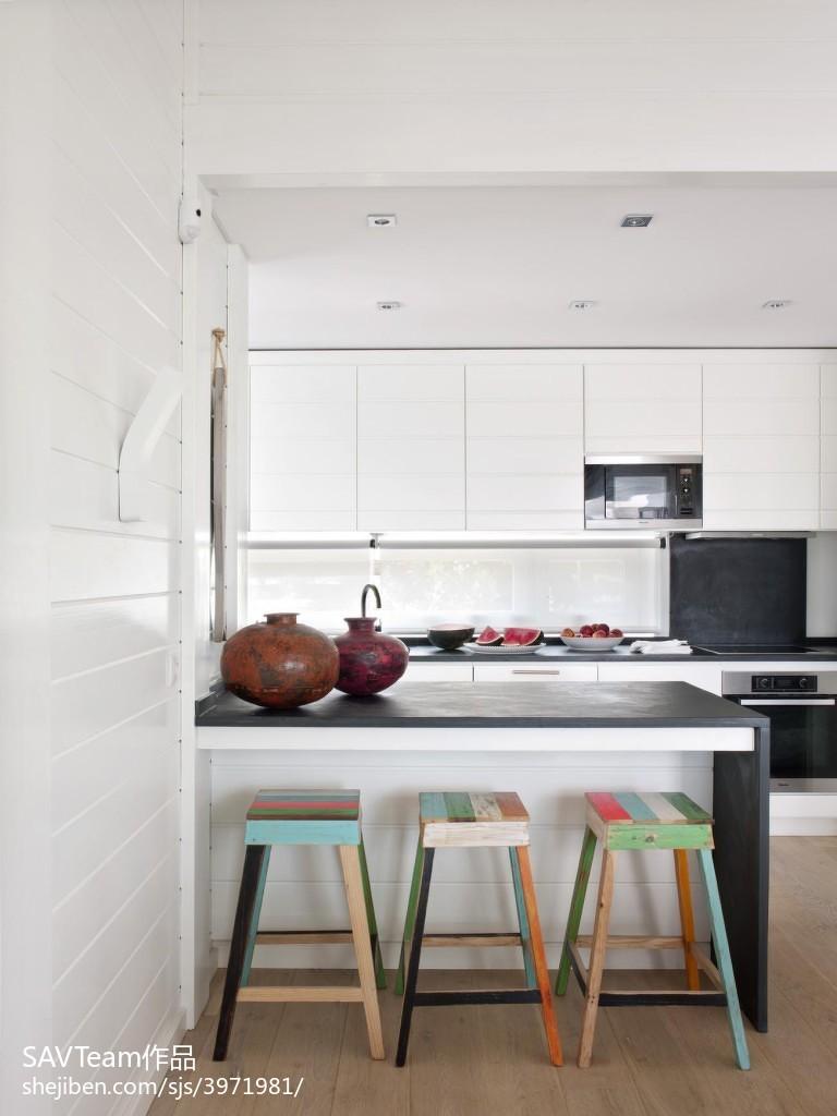 热门面积127平混搭四居厨房效果图片欣赏