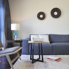 面积82平现代二居客厅实景图片