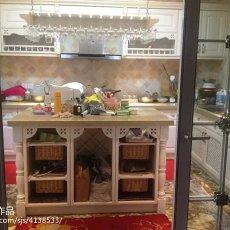 热门欧式别墅厨房装修欣赏图
