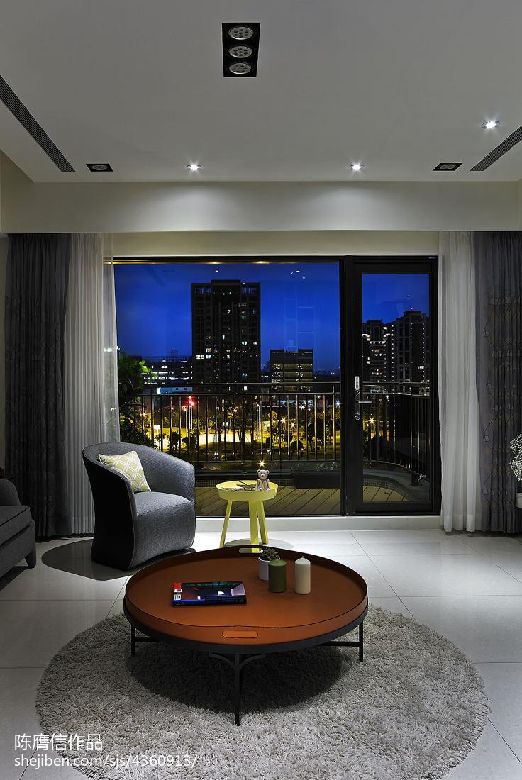 面积112平混搭四居客厅装修实景图片大全