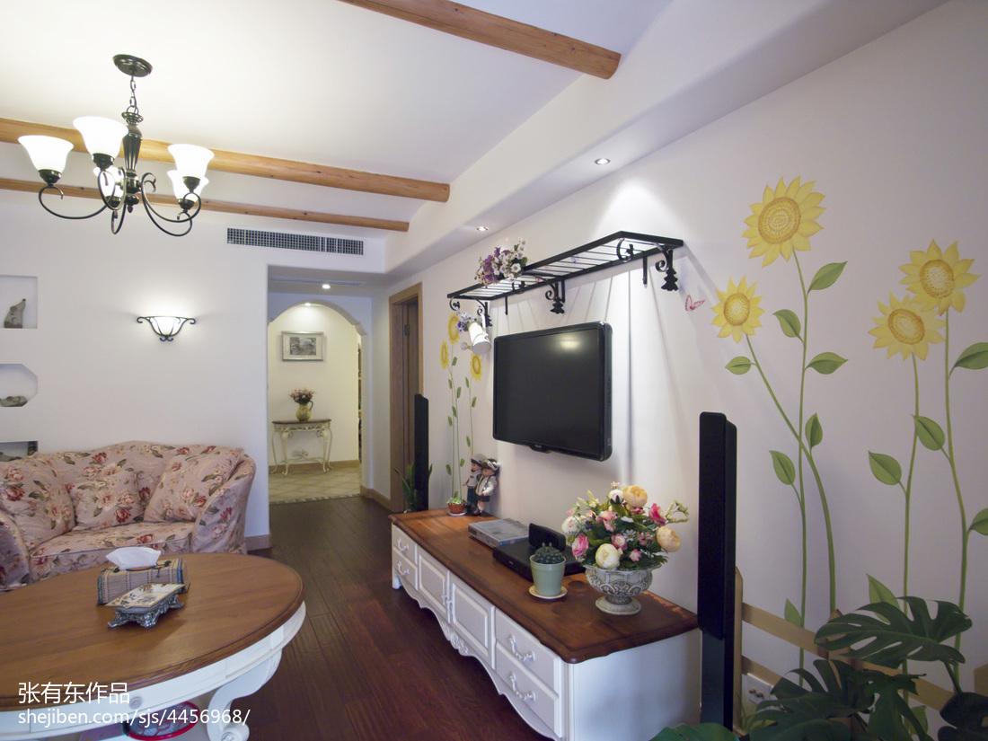 温馨73平地中海二居客厅装饰图
