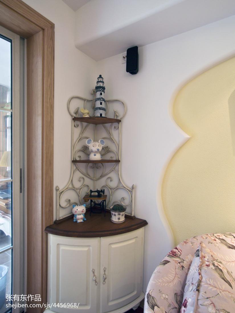 轻奢53平地中海二居客厅设计美图