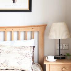 轻奢109平美式三居卧室装饰图片