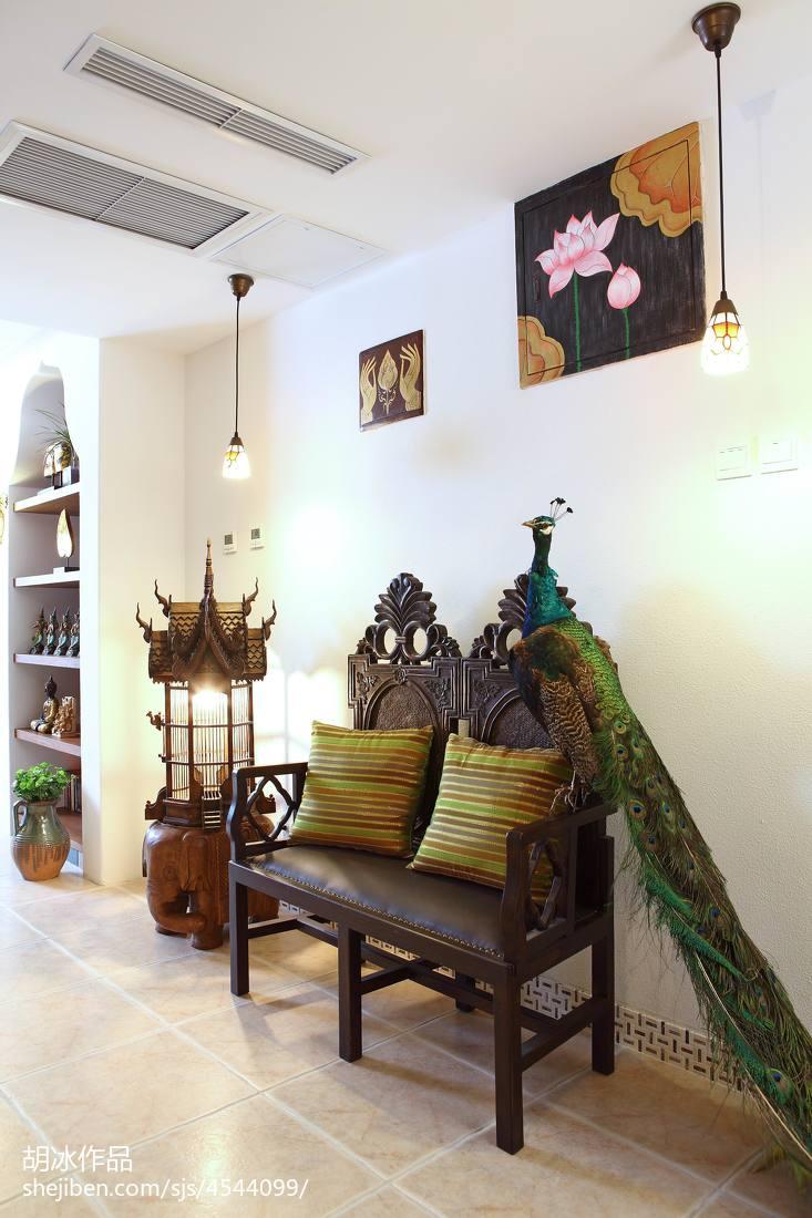 热门东南亚复式客厅装修效果图