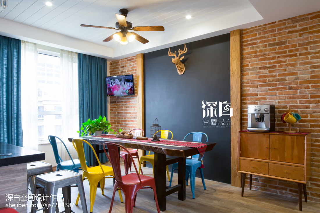 混搭風格餐廳背景墻裝修設計