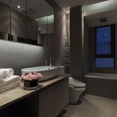热门面积112平现代四居卫生间装修欣赏图片