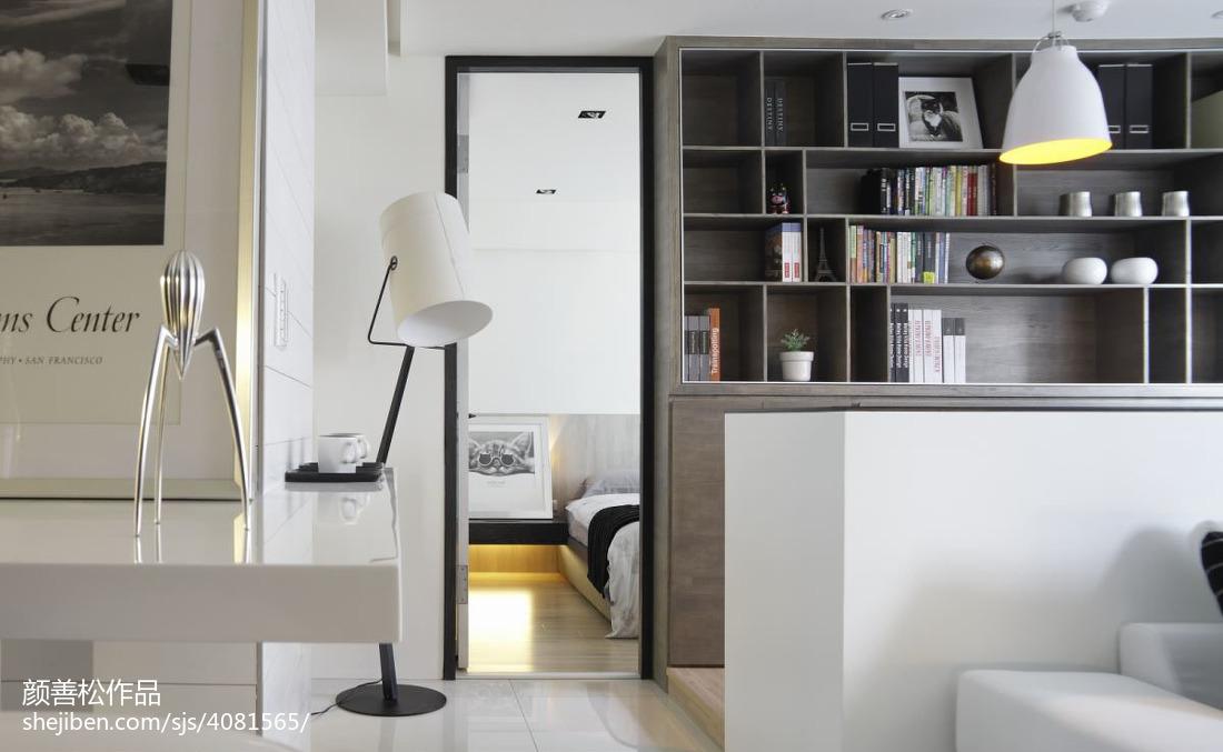 精美72平方二居客厅现代装饰图片