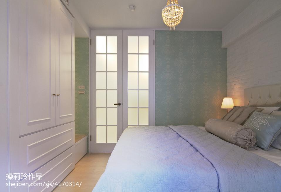二居室新古典卧室装修设计