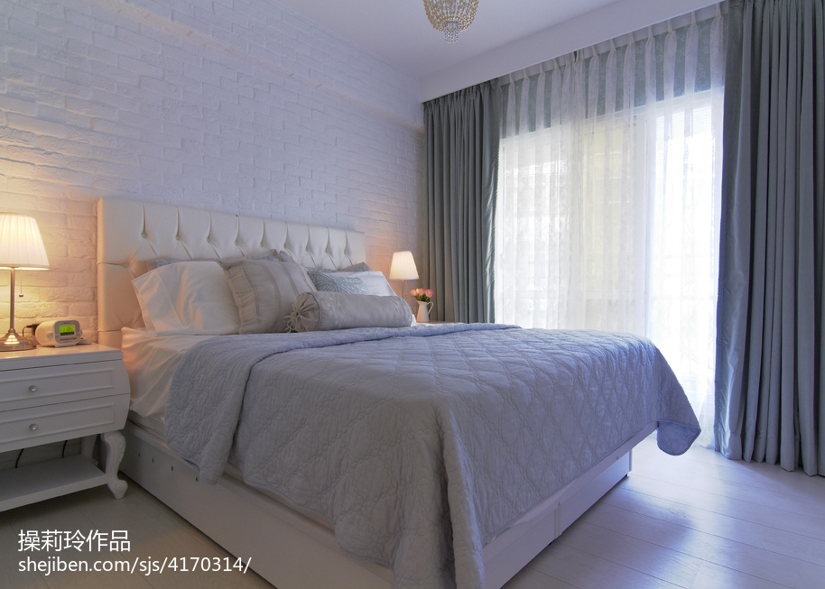 热门面积90平新古典二居卧室装修实景图片大全