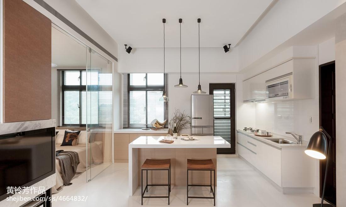 热门73平米现代小户型客厅实景图片