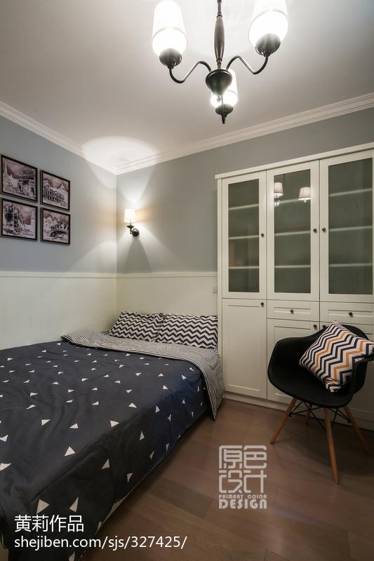 清新小屋混搭卧室储物柜装修设计