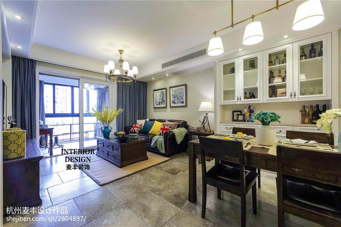 热门面积82平美式二居客厅效果图