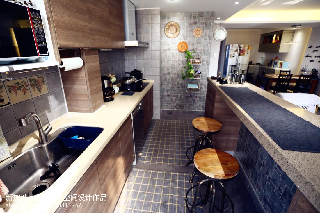 小户型现代厨房装修设计效果图欣赏