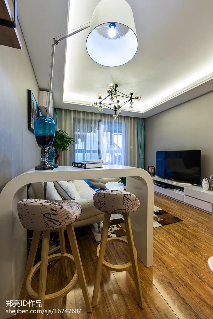 轻奢27平现代小户型客厅装饰图