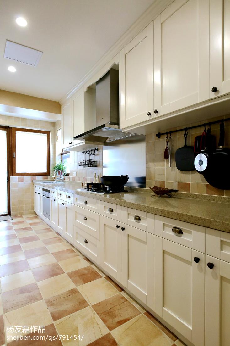现代厨房地板拼花装修效果图