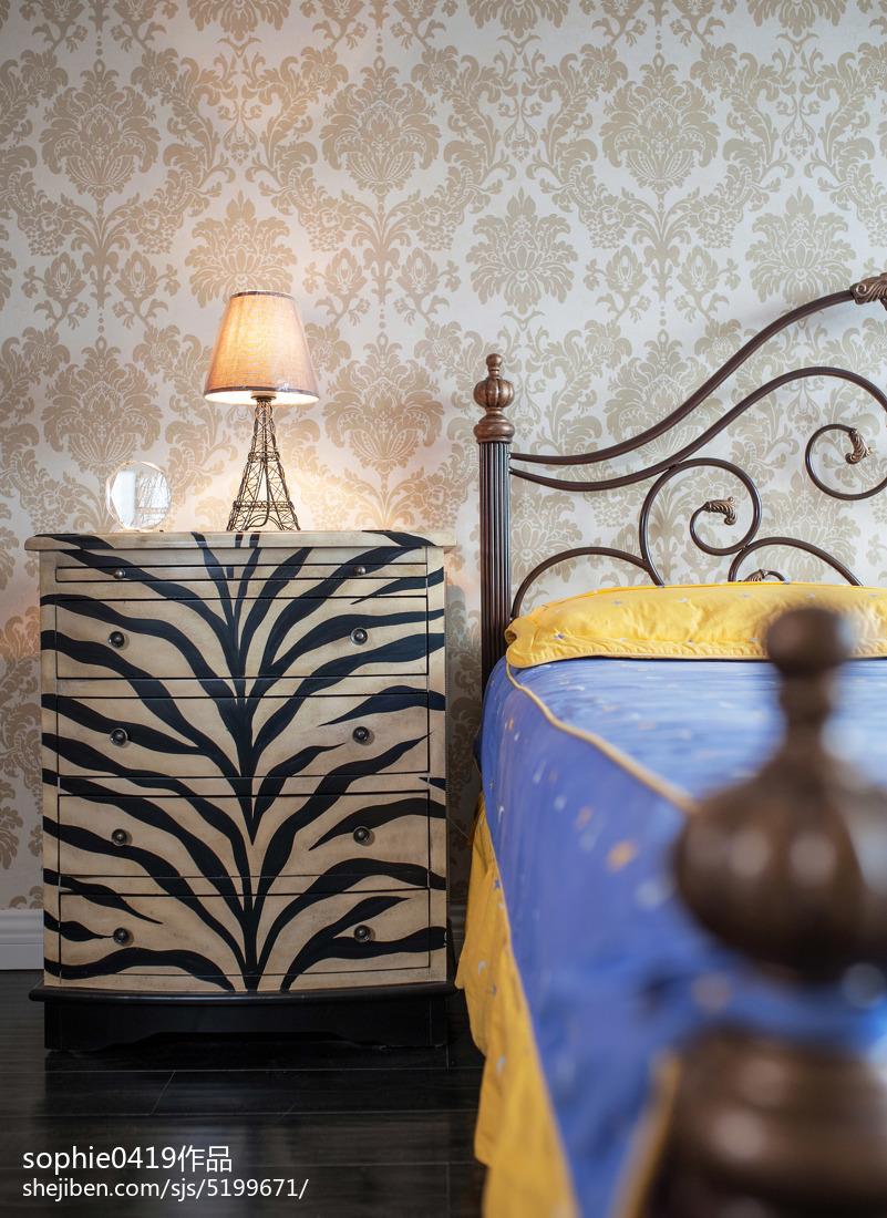 热门面积90平欧式三居卧室实景图