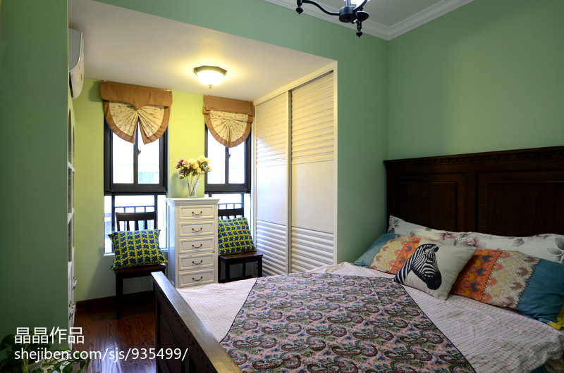 悠雅76平美式复式卧室布置图