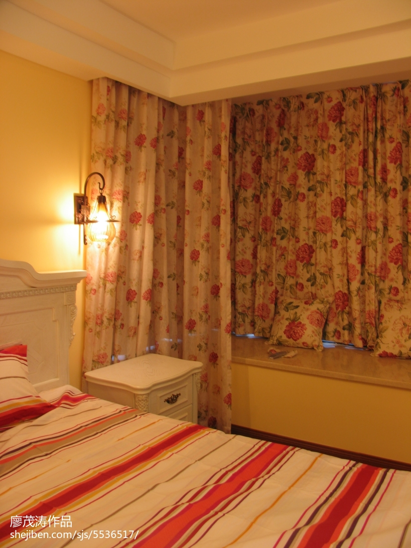 红色喜庆地中海风格卧室设计