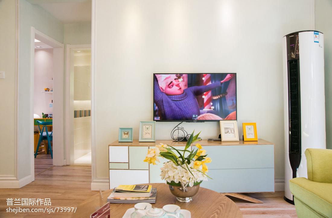 热门田园客厅装修效果图片欣赏