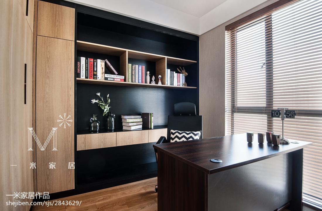 138m2现代简约书房书柜装修设计