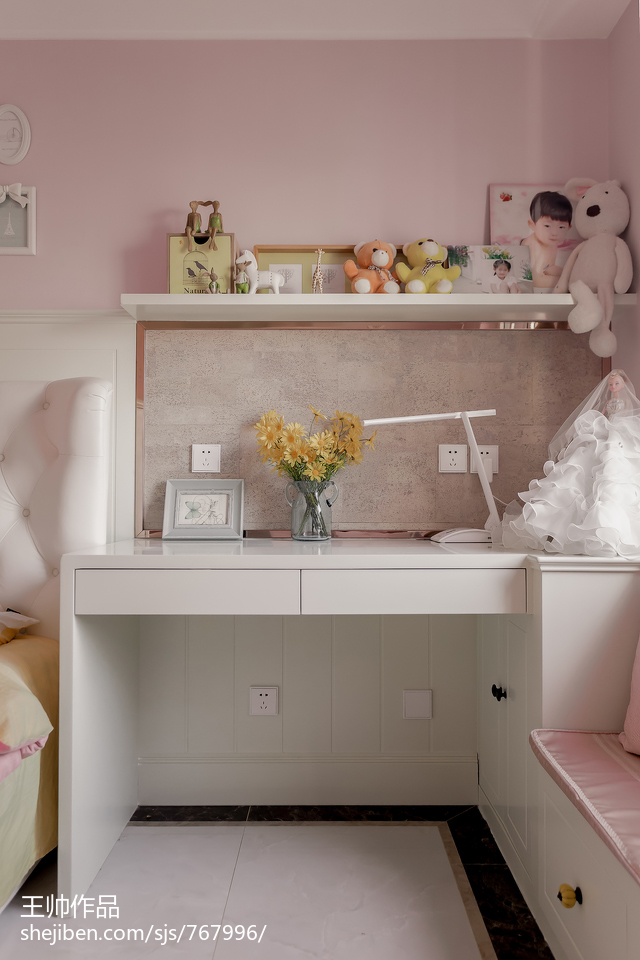 面积96平欧式三居儿童房实景图片