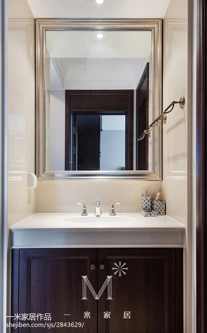 面积107平美式三居卫生间装修实景图