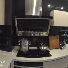 面积90平现代三居厨房装修实景图片欣赏