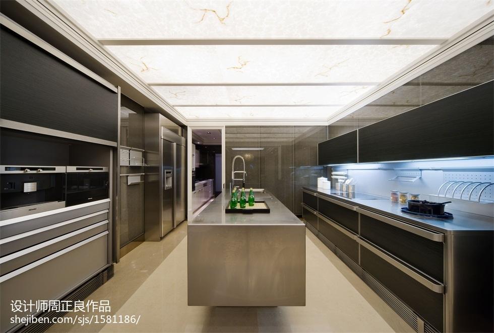 面积136平别墅厨房现代装修图