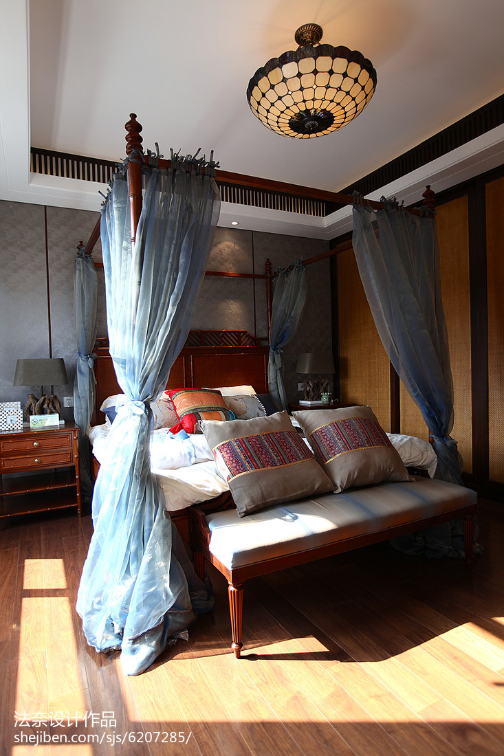 东南亚设计装修复式卧室图片