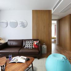 71平米二居客厅简约装修欣赏图