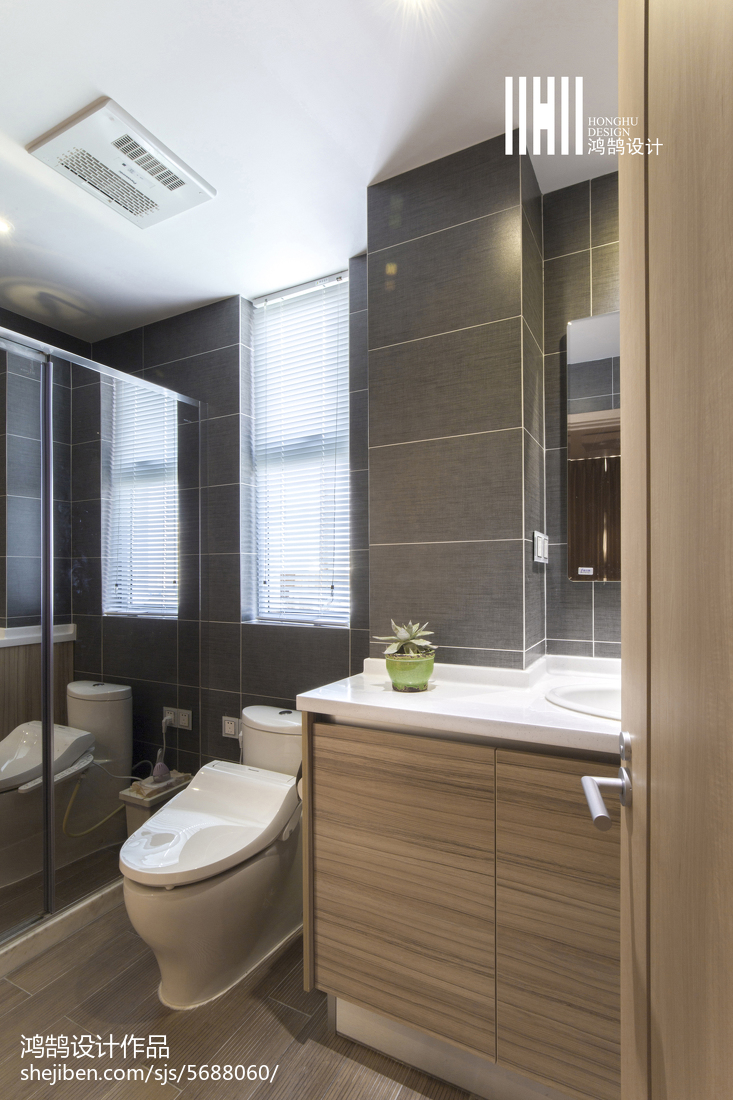 热门131平米日式复式卫生间实景图片