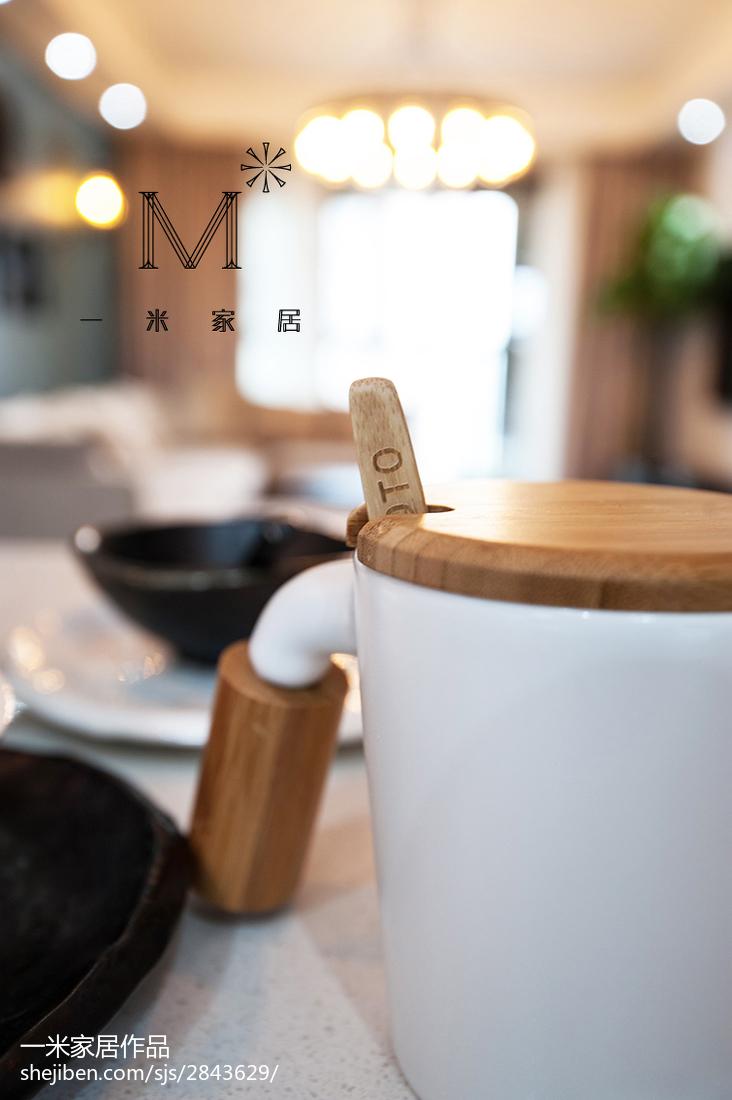 热门107平米三居餐厅现代效果图片欣赏