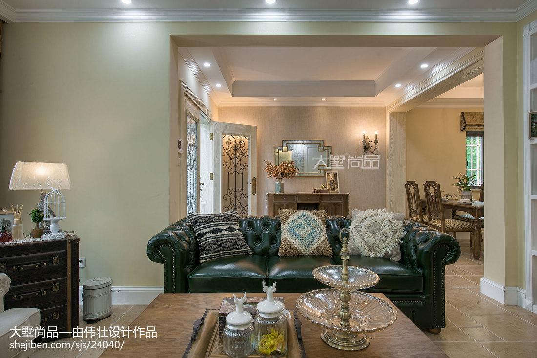 2018129平方欧式别墅客厅装修实景图片