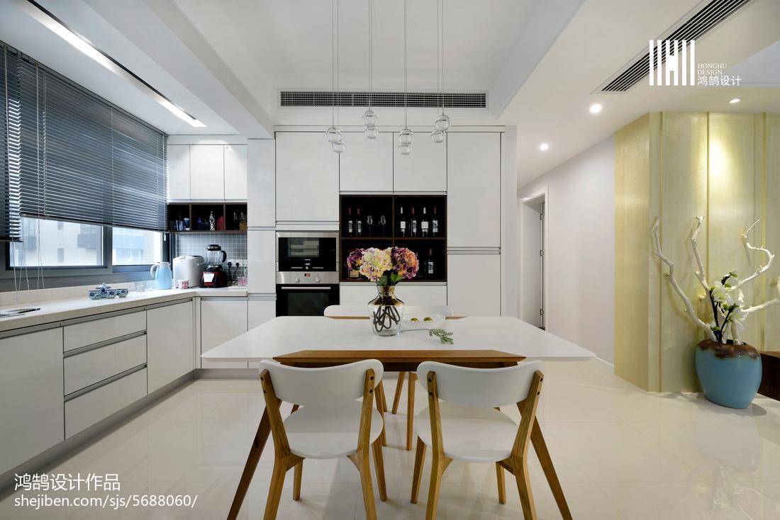 2018103平米三居餐厅现代实景图