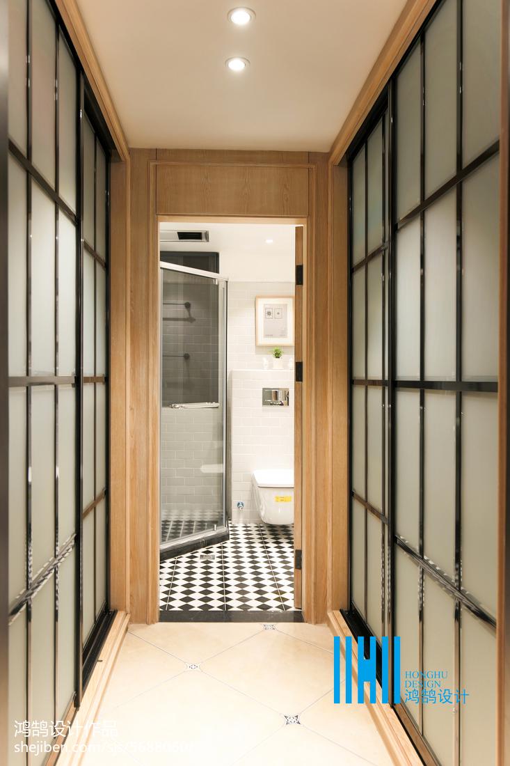 面积98平混搭三居卫生间装修实景图片欣赏