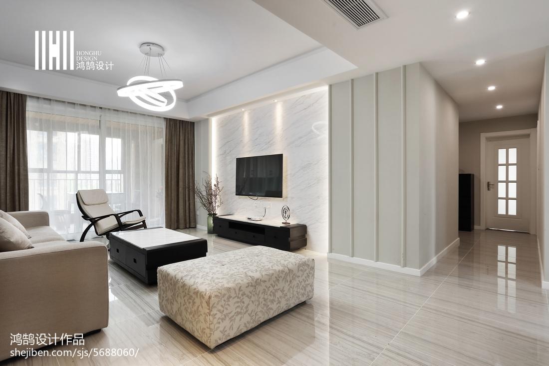 温馨125平现代三居装饰图