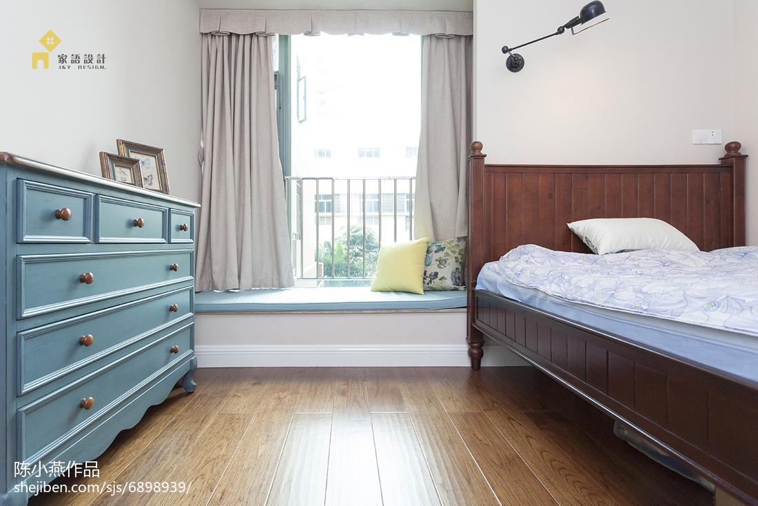 温馨75平美式三居卧室装饰图片