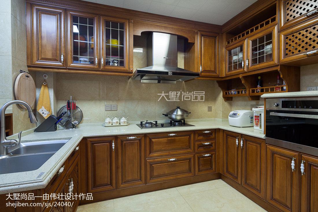 歐式風格廚房櫥柜裝飾圖