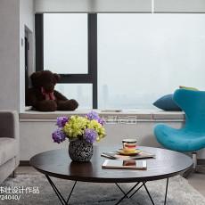 面积73平现代二居客厅装饰图