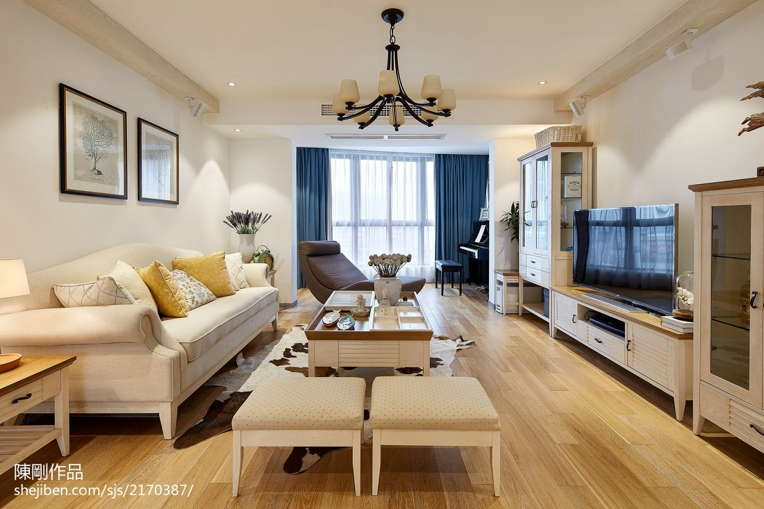 大气97平地中海三居客厅装修设计图