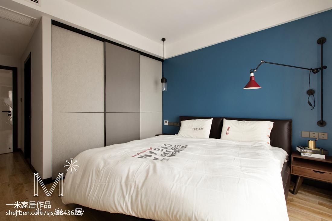 热门面积76平现代二居卧室装饰图
