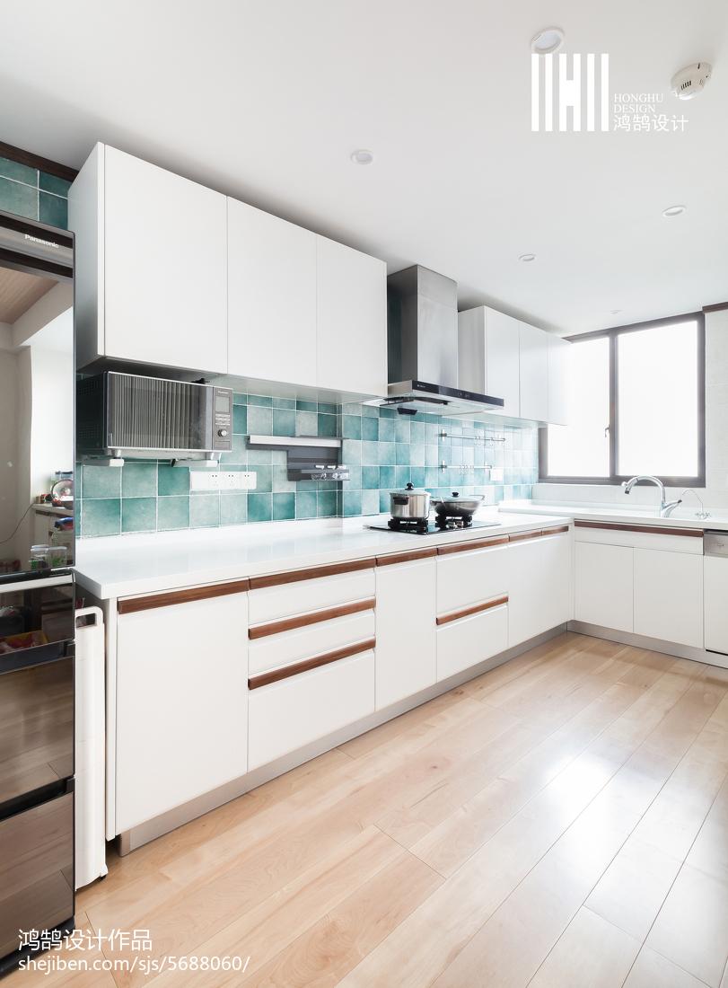 2018日式复式厨房实景图