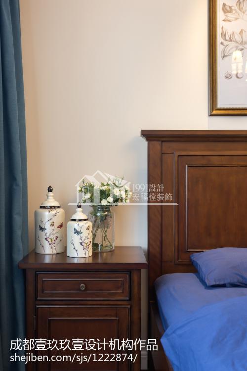 热门简约复式卧室装饰图片欣赏